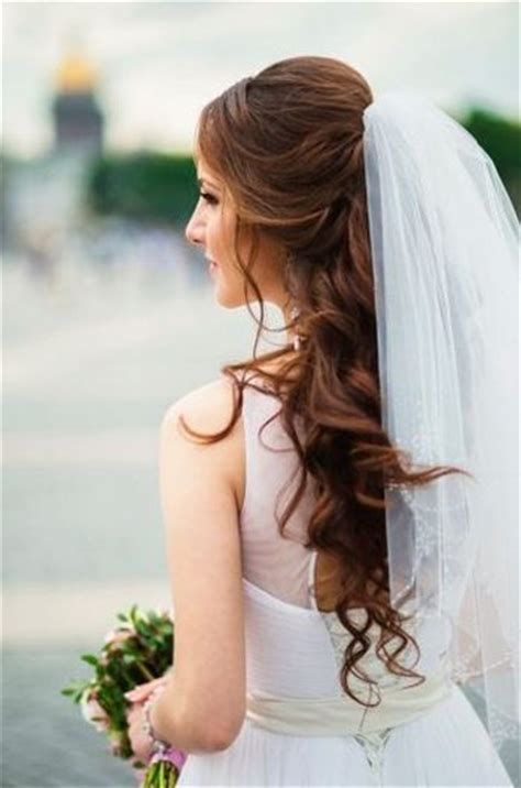 Wedding Hairstyles For Hair Half Up With Veil And Tiara by 37 Half Up Half Wedding Hairstyles Anyone Would