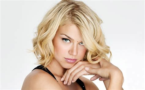 blond newscaster ksdk round face adrianne palicki joins agents of s h i e l d as a