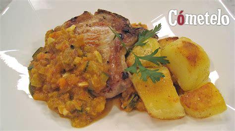 canal sur recetas cocina cometelo quot c 243 metelo quot prepara chuleta de cerdo en salsa con patatas