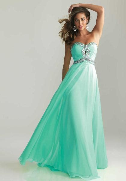 25 Stunning Prom Dresses Inspiration