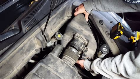 2010 chevy traverse power steering replacement youtube how to change the air filter on a 2009 2010 2011 2012 chevy traverse acadia enclave outlook