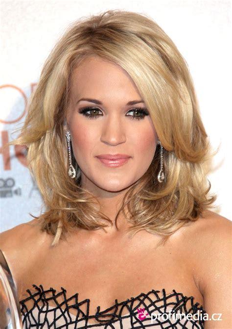 carrie underwood shoulder length hair styles pinterest hot rollers celebrity hairstyles