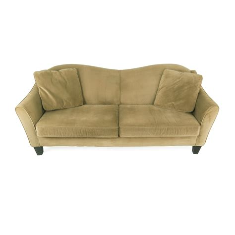 classic sofas and chairs 75 off raymour and flanigan raymour and flanigan