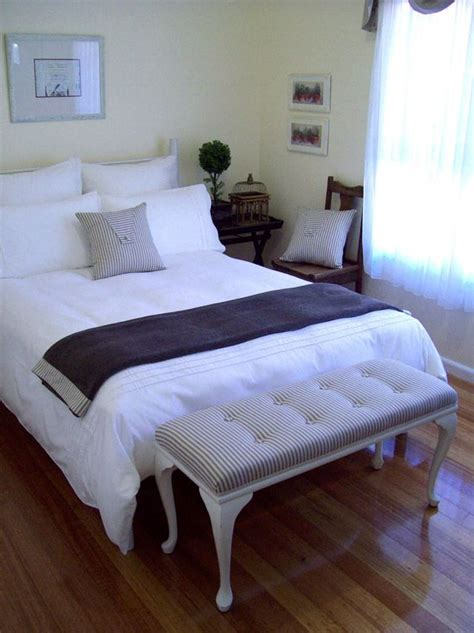 small guest room decorating ideas best 25 small guest bedrooms ideas on pinterest
