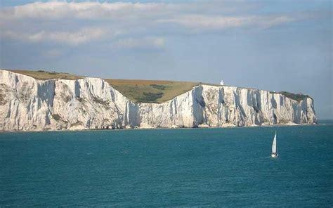 uk coastal walks white cliffs  dover telegraph