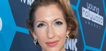 Hawaii Five O Calendrier Hawaii Five O Alysia Reiner Guest De La Saison 5