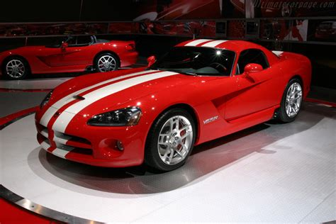 dodge viper srt  coupe images specifications  information