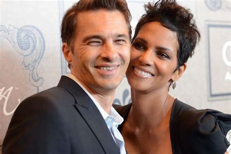 Gives Oliver Martinez A by Olivier Martinez News Views Gossip Pictures