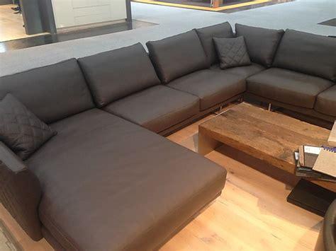 schreibtische u form sofas und couches gyform eliot grosses ledersofa in u form