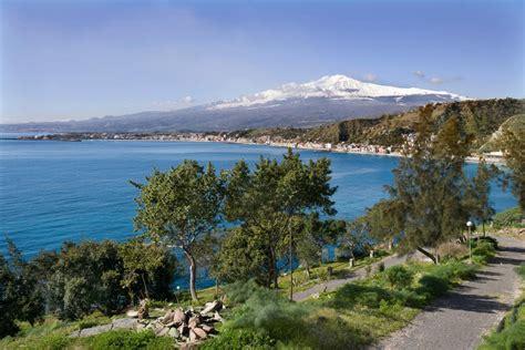 hotel baia degli dei giardini naxos hotel baia degli dei ostrov sic 237 lie giardini naxos