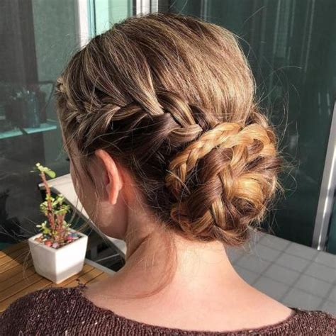 30 and easy updos you should try in 2019