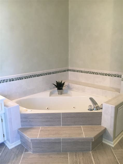 Corner Tub Bathroom Ideas by Garden Tub Dimensions Corner Bathtubs Dimensions American