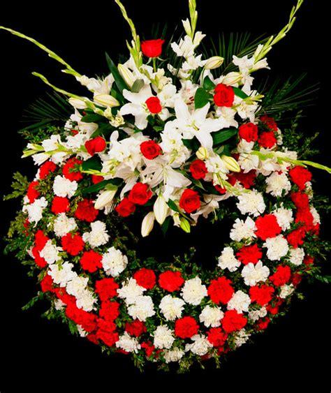 imagenes de gladiolas blancas corona de claveles rosas y gladiolas blancas 110 envia
