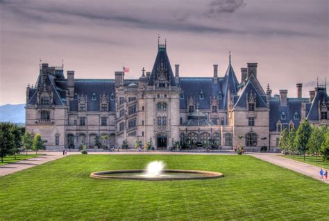 Biltmore House, NC jigsaw puzzle in Puzzle of the Day
