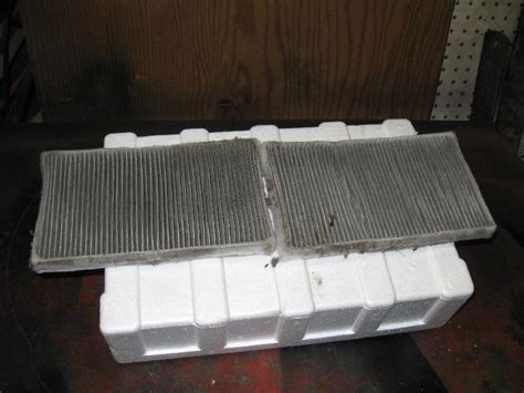 2011 Tahoe Cabin Air Filter by 2002 Burb Gt Does It A Cabin Air Filter Chevrolet