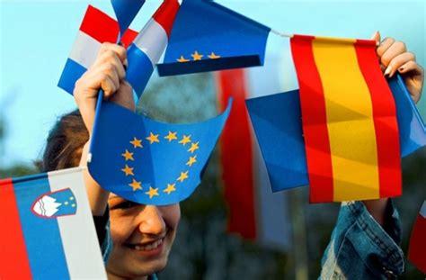 Enzensberger Essay Europa by Essay Europa Ist Mehr Wert Angela Merkel Stuttgarter Zeitung