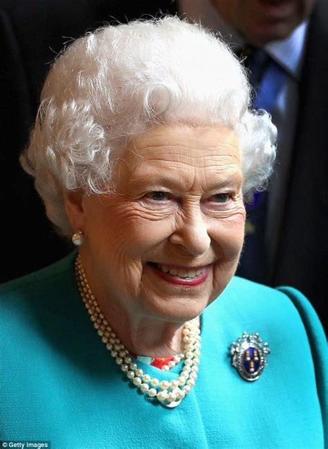 queen elizabeth hairstyles 1162 best queen elizabeth ii images on pinterest england