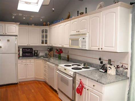 White Granite Kitchen Countertops Viscon White Granite Countertops Ming Green Marble Vanity The Cobblers