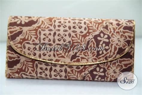 Dompet Batik Kecil 06 dompet batik kecil ukuran 18x9cm pas digenggaman mewah elegan bahan batik ds0022c