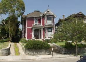 House Tv Show Location Halliwell Manor Location Comic Vine