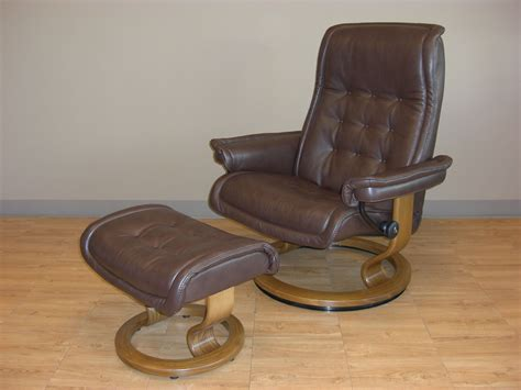 royal easy chair recliner stressless royal royalin dark brown leather recliner chair
