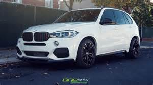 White Bmw X5 Alpine White Bmw X5 Gets M Performance Treats Autoevolution