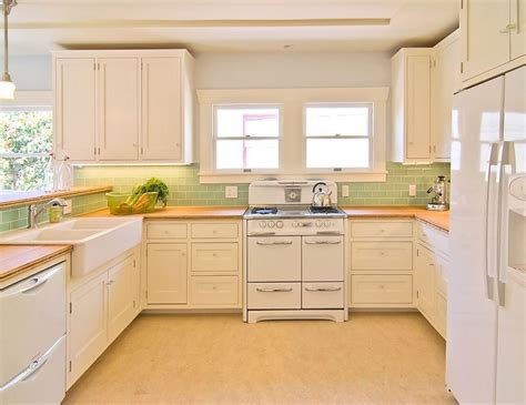 backsplash for white kitchen cabinets decor ideasdecor light brown maple wood cabinet backsplash ideas for white