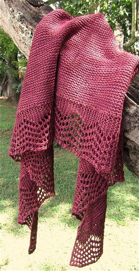 crescent shawl knitting pattern best 25 crescent shawl ideas only on shawls