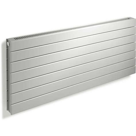 badkamer radiator 800 watt vasco viola h1l1ro horizontale designradiator ral 9016