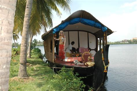 kerala boat house stay kerala houseboats kerala traditional kettuvallam cruise