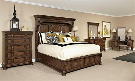 mansion bedroom furniture sets lyla mansion bedroom set from broyhill 4912 260 265 460