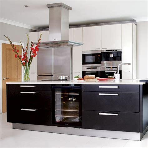 black and white kitchen black and white kitchens 2017 grasscloth wallpaper