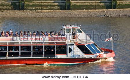 thames river cruise london england city cruises river thames boat tour london england