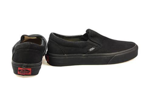 vans classic slip on mens womens all black canvas skate