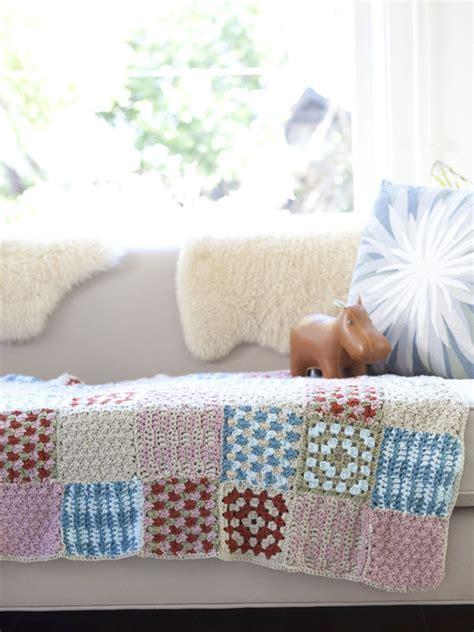 comfort blanket knitting pattern comfort 174 knitting crochet babies toddlers darla blanket