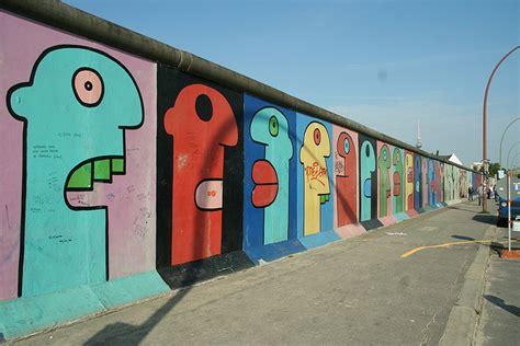 berlin wall mural la v 233 ritable histoire de la chute du mur de berlin
