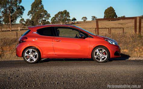 peugeot 208 gti 2016 2016 peugeot 208 gti review video performancedrive