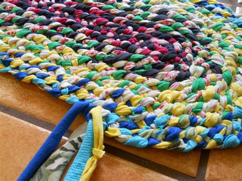 how to braid a rag rug lost of braid in rag rugs part 3 adding the 4th strand turning the corner rugs
