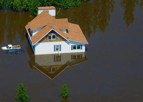 house flood steps to follow if you have a flooded house modularhomeowners com