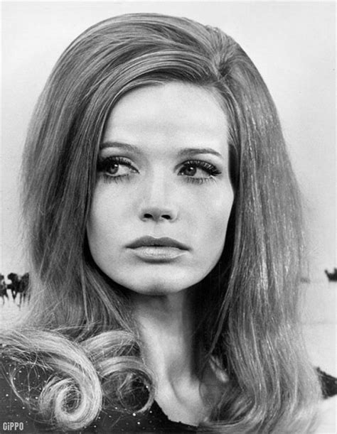 hairstyles of 60 s and 70 s hair style vintage 60s 70s girls women hairdo 1960