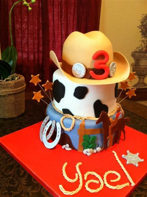 Western Cake Decorations by Giddy Up For These Rootin Tootin Cowboy Cake And Cupcake