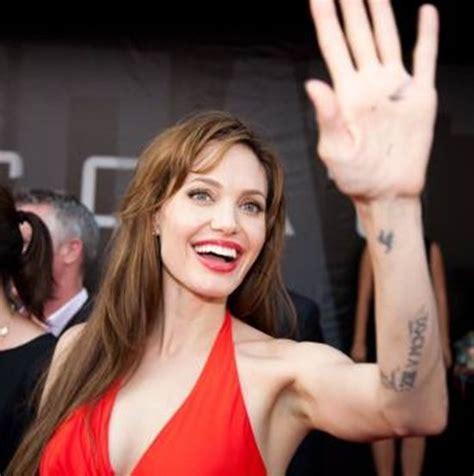 angelina jolie tattoo blut und eisen tattoo making inspiring celebrity angelina jolie