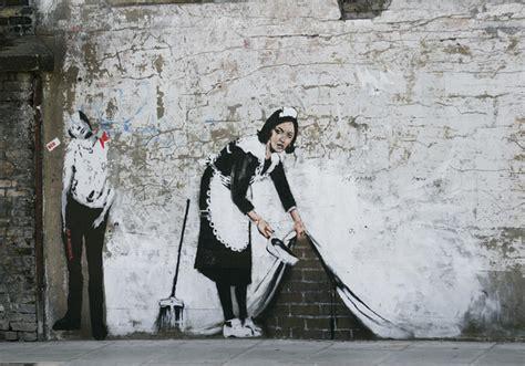 sale  banksy art  la brings  cred  street