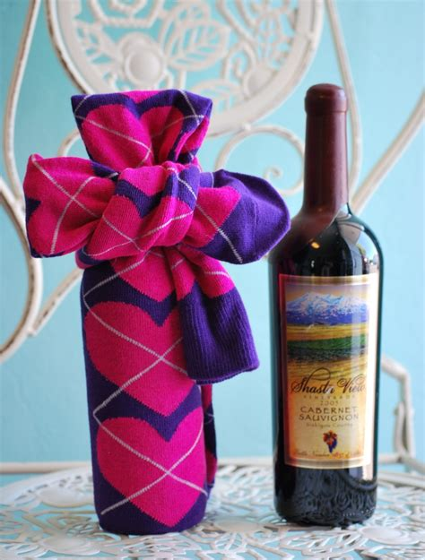 diy socks gift and easy diy wine gift wrap idea 1 a