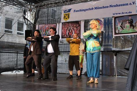 münchner bank rotkreuzplatz m 252 nchen neuhausen buntes faschingstreiben auf dem
