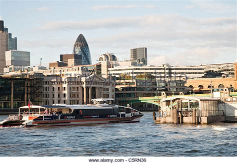 thames clipper bankside thames river bus bankside stock photos thames river bus