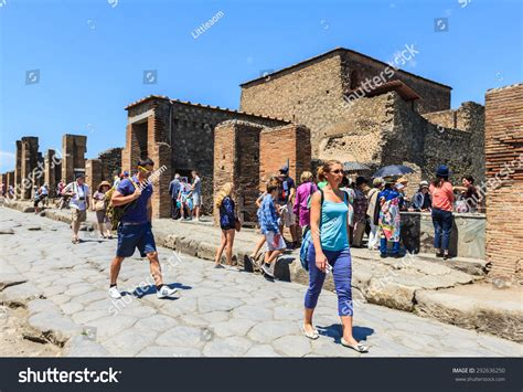 Many From Southern Italy Who Moved To Naples In Search Of Pompeii Naples Italy June 18 Many Stock Photo 292636250