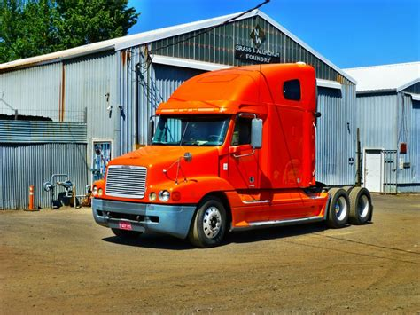 semi trucks for sale for sale semi truck freightliner 2002 pdx car sales