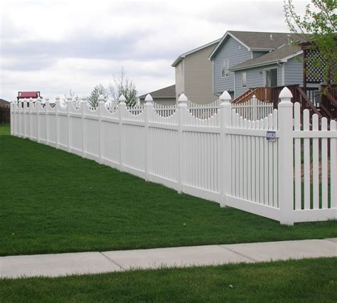 vinyl fencing company the american fence company vinyl fencing underscalloped picket pvc