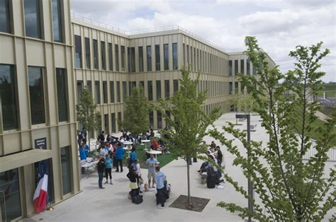 Hec Business School Mba by Slight Rise In Mba Salaries At Hec